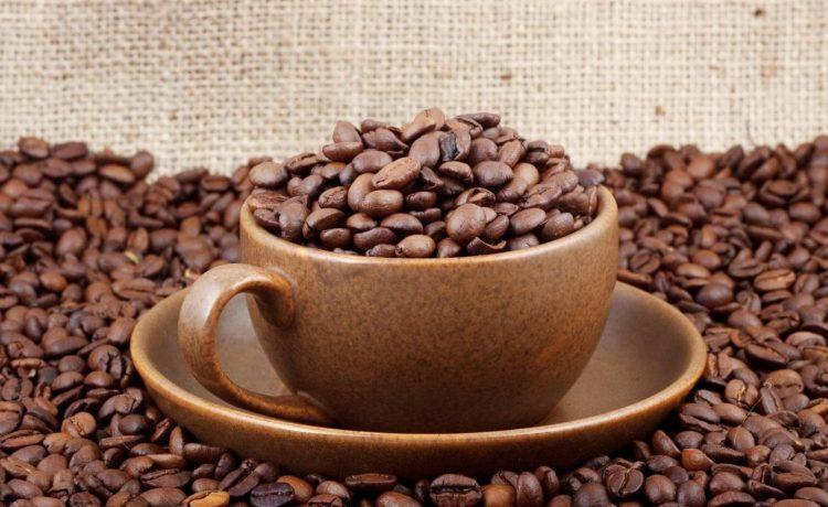 Domowy peeling kawowy, jak wykorzystać fusy po kawie
