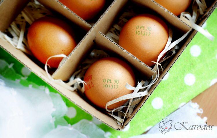 Jedzenie surowego jajka