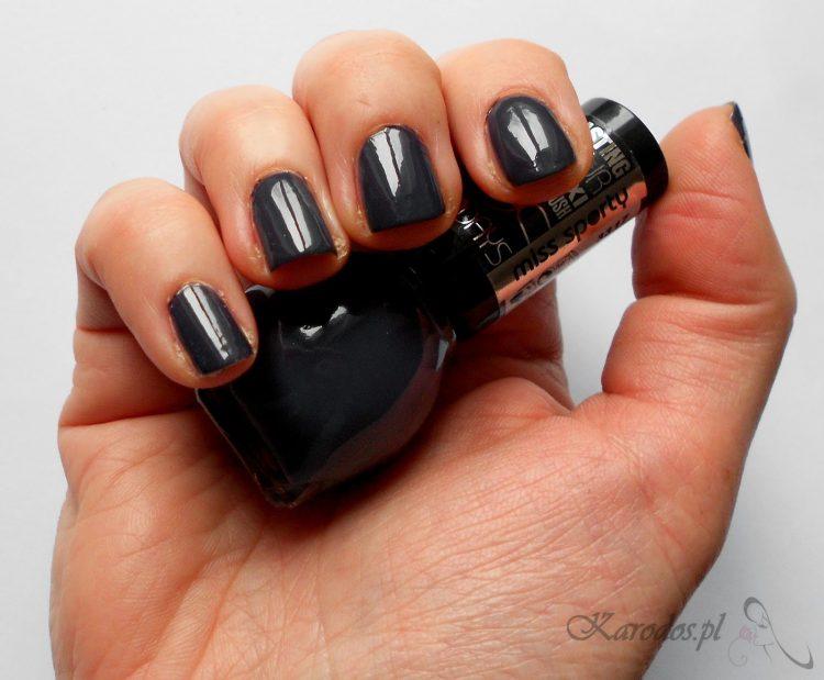 Miss Sporty, Lasting Colour Maxi Brush – lakier do paznokci (nr 110 i 425)
