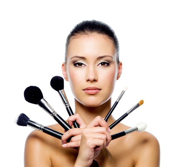 Malować się czy nie? Wpływ makijażu na samoocenę